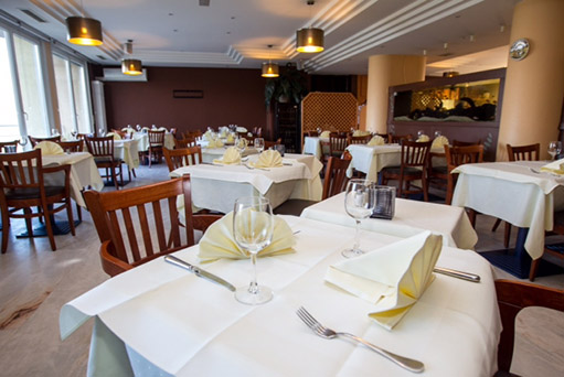 restaurant al sole cuisine fran aise cuisine italienne editus. Black Bedroom Furniture Sets. Home Design Ideas