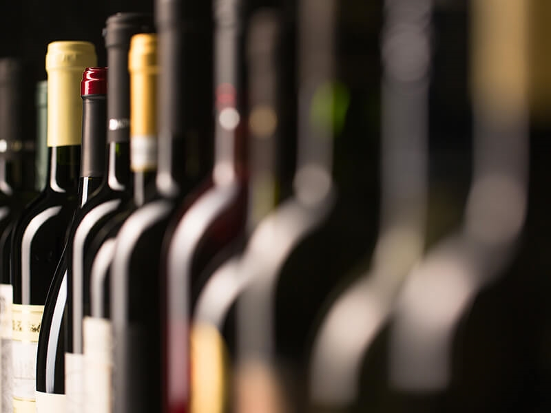 8 tips to properly store your wine bottles over time