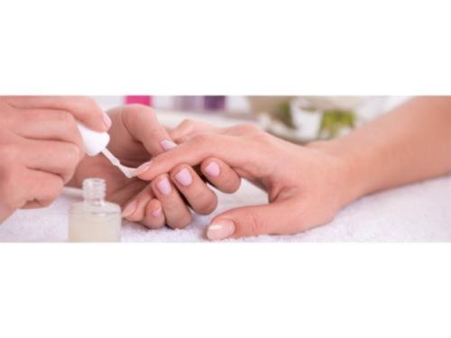 Pose vernis semi-permanent +Soins de des ongles & Mains