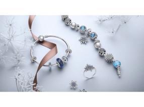 Bracelets, bague et boucles d'oreilles Christmas