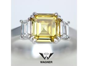 Bague avec Diamant Fancy intense Yellow