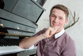 Rental pianos (starting at 1 Euro per day)