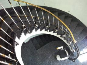 Rail de monte-escaliers adapté à votre intérieur