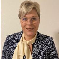 Mme Michèle Dhur