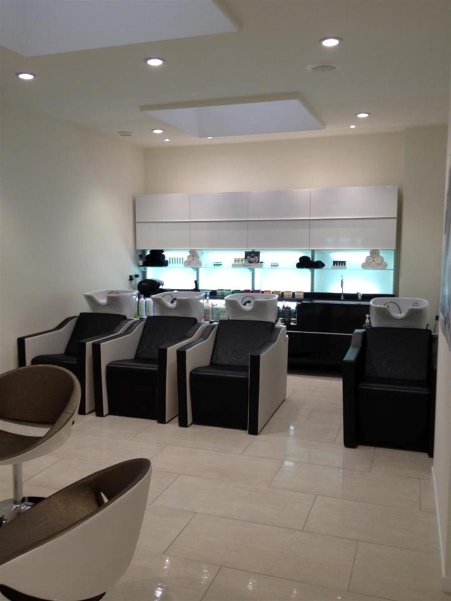Salon de coiffure noir sandrine coiffeur pour enfant for Annuaire salon de coiffure